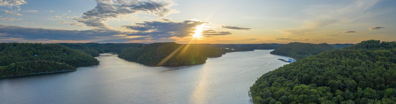 Center Hill Lake | Image by Chuck Sutherland - http://chuck-sutherland.blogspot.com/